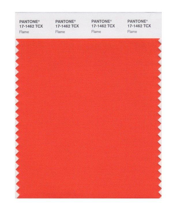 Flame 17-1462: Chama.  Laranja avermelhado. Usado por Rag & Bone, Gabriela Hearst e Lela Rose, além de Tory Burch