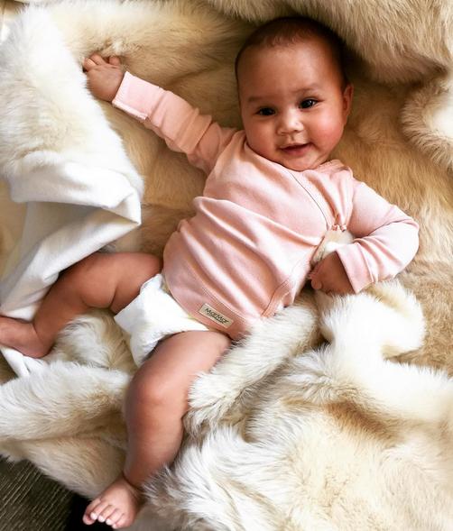 Luna, filha de John Legend e Chrissy Teigen 4