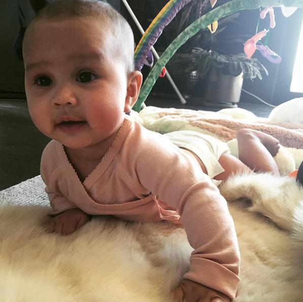 Luna, filha de John Legend e Chrissy Teigen 5