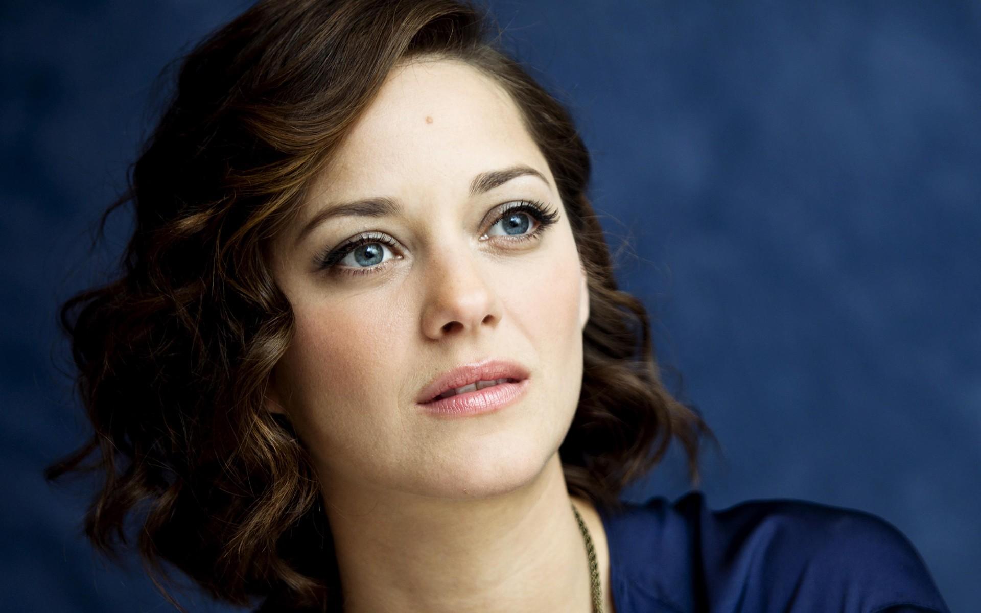 Angelina Jolie pede divórcio de Brad Pitt