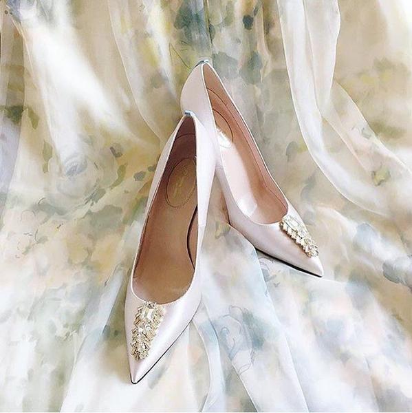 E até sapatos para noivas