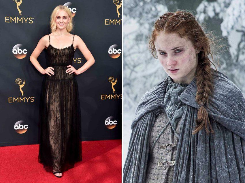 Sophie Turner: Em 'A Guerra dos Tronos' apresenta um ar pálido, duro e sofrido na pele de 'Sansa Stark'. Na vida real a atriz trocou os longos cabelos ruivos por cachos loiros, a sua cor natural, e despiu a melancolia da sua personagem desfilando um belo e grande sorriso.
