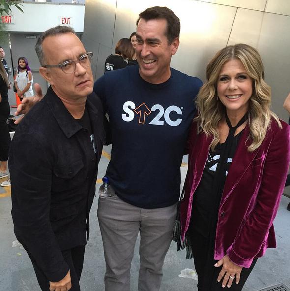 Assim como o sempre divertido Tom Hanks e a mulher Rita Wilson