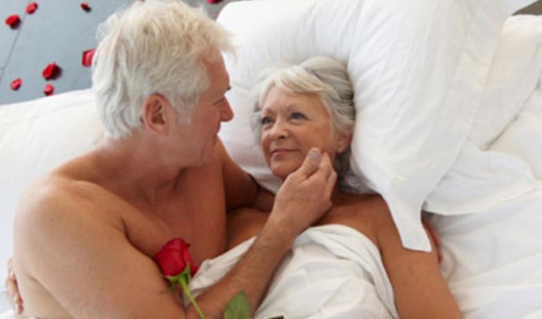 Mulher de idade fazendo sexo [PUNIQRANDLINE-(au-dating-names.txt) 58