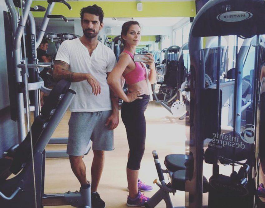 A atriz conta com a companhia do marido no ginásio