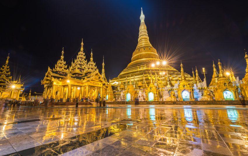 Birmânia, ou Myanmar, fica no Sudeste Asiático. Tinha um regime militar rigoroso, o que impedia a entrada de turistas, mas agora com o governo civil tem muito mais abertura. Os edifícios históricos e templos budistas são das principais atrações
