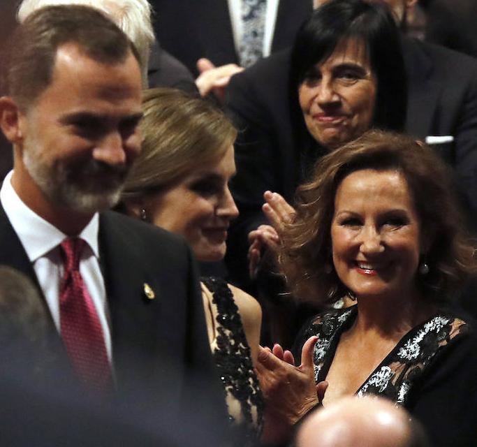 Os reis com a mãe de Letizia, Paloma Rocasolano