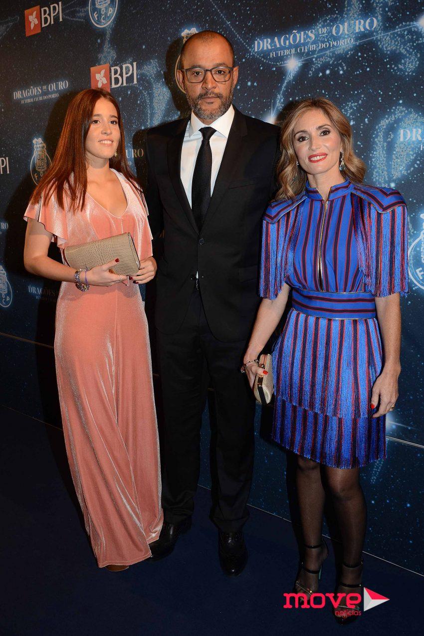 Nuno Espírito Santo com a mulher Sandra e a filha Inês