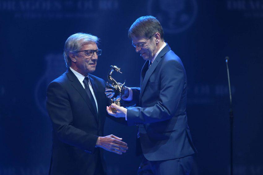 Alipio Dias entrega mais um troféu