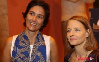 "A actriz Judie Foster na inauguraÁ""o da exposiÁ""o da sua mulher Alexandra Hedison no Centro Culturalde Cascais"