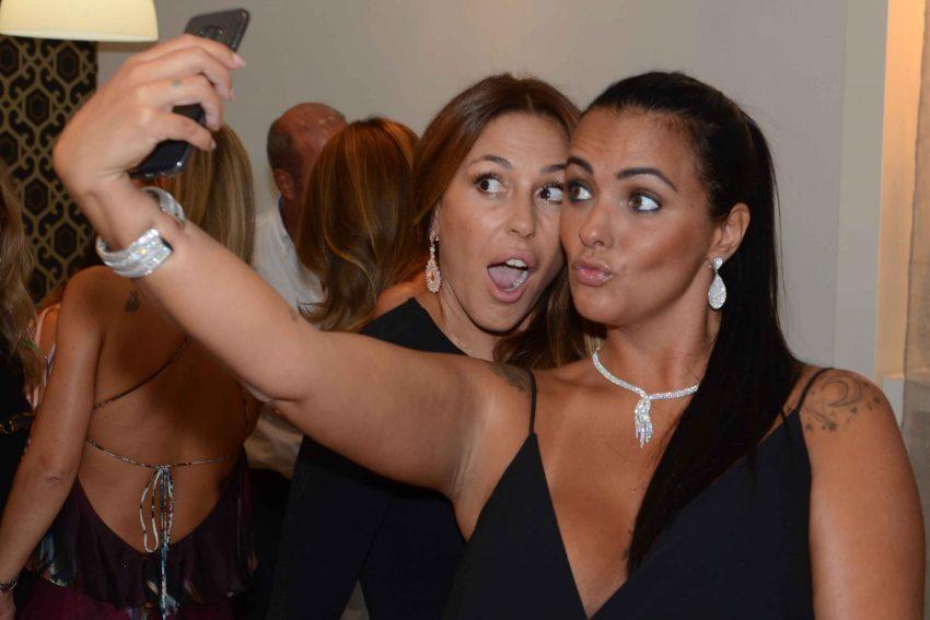 merche-romero-e-marta-cruz-selfie-portojoia-gofrey