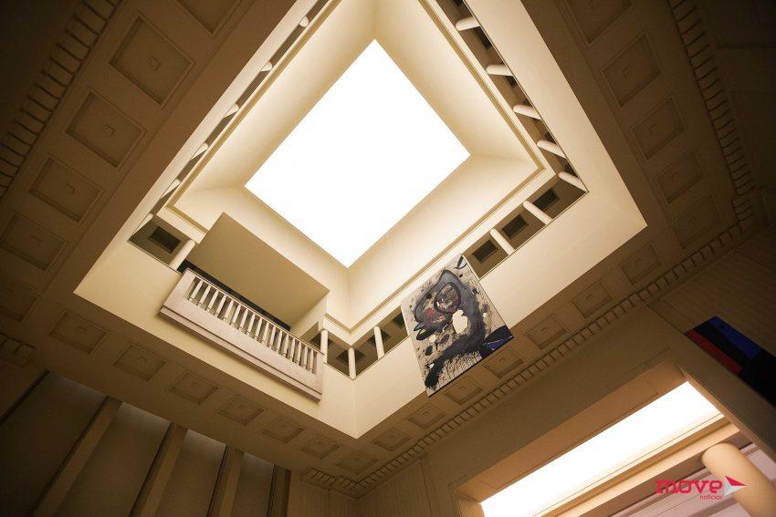A coleção Miró ocupa os dois andares da Casa Serralves