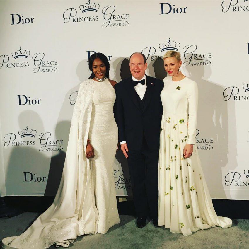 O casal real com Naomi Campbell