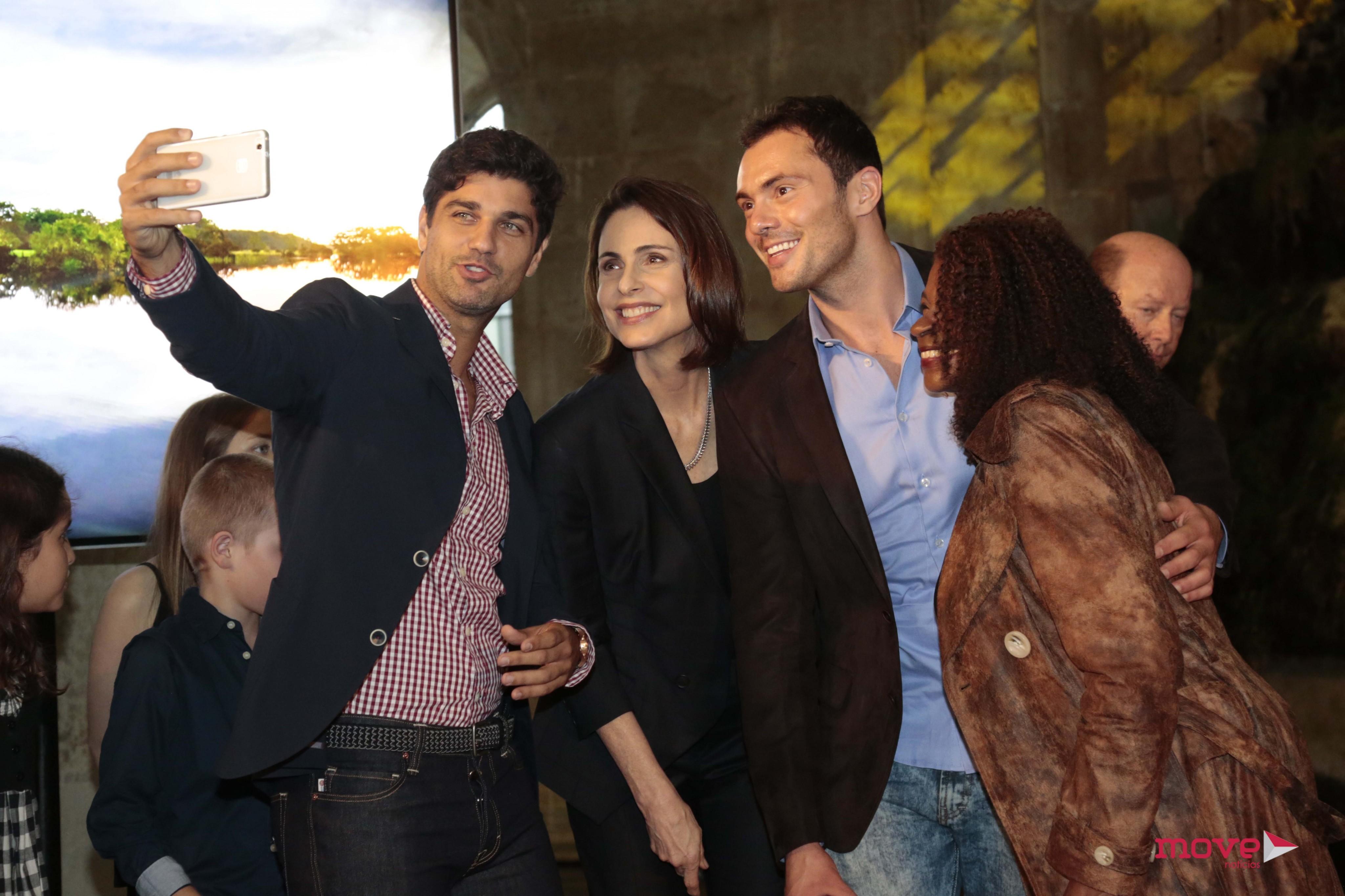 Fotos: TVI apresenta elenco da próxima novela  Um luxo