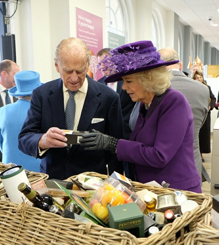 Duque Philip com Camilla