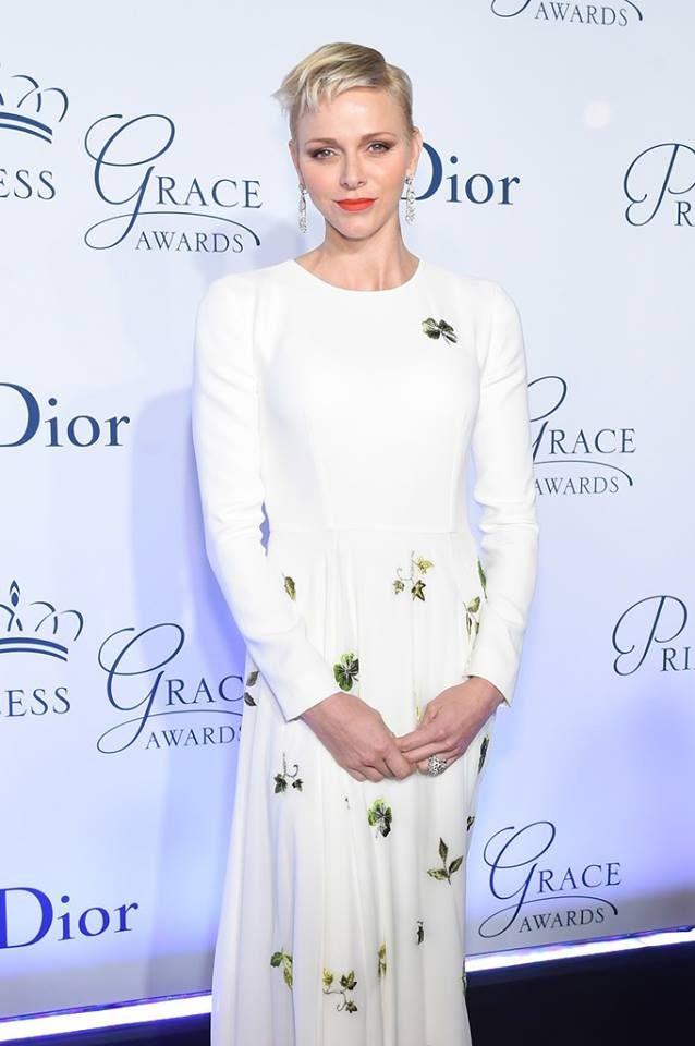 O vestido da princesa tinha trevos, símbolo da herança irlandesa de Grace Kelly