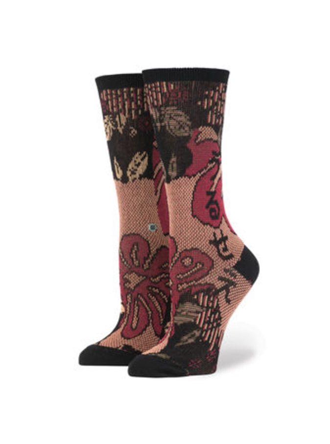 rihanna-stance-socks_screen-shot-2016-10-19-at-13-50-28_bellanaija