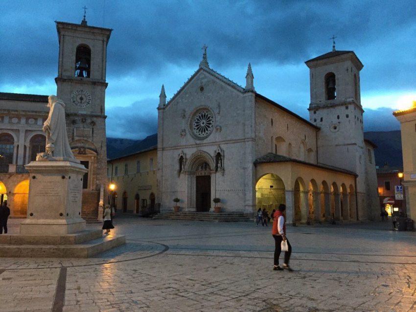 A Basílica de Norcia antes do sismo