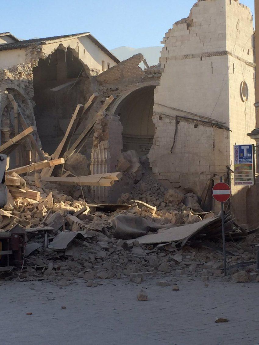 sismo-italia-norcia-3