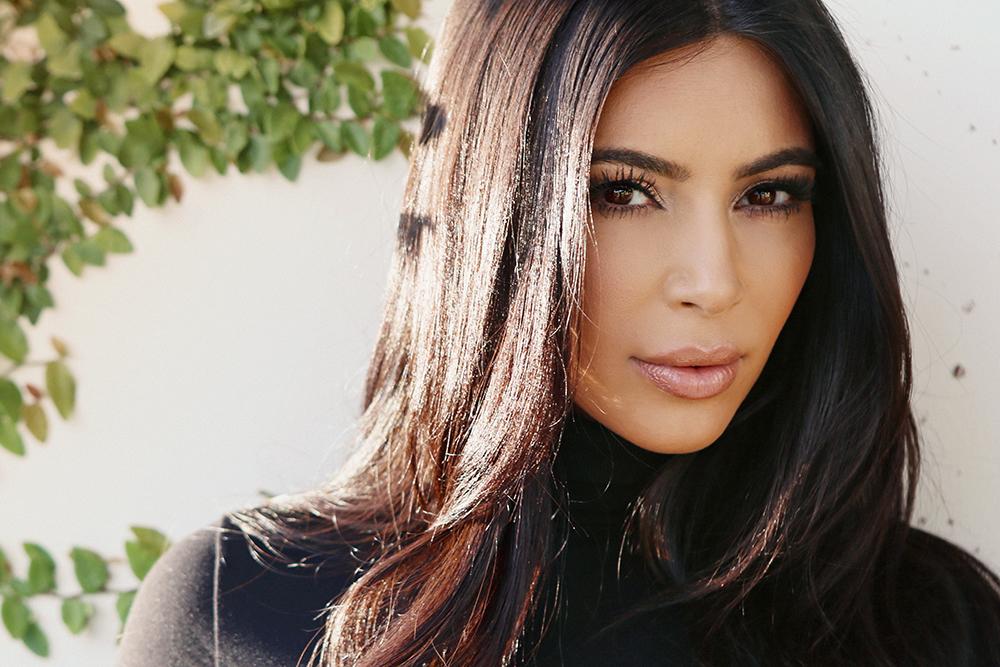 Polícia prende grupo suspeito de assaltar Kim Kardashian em Paris