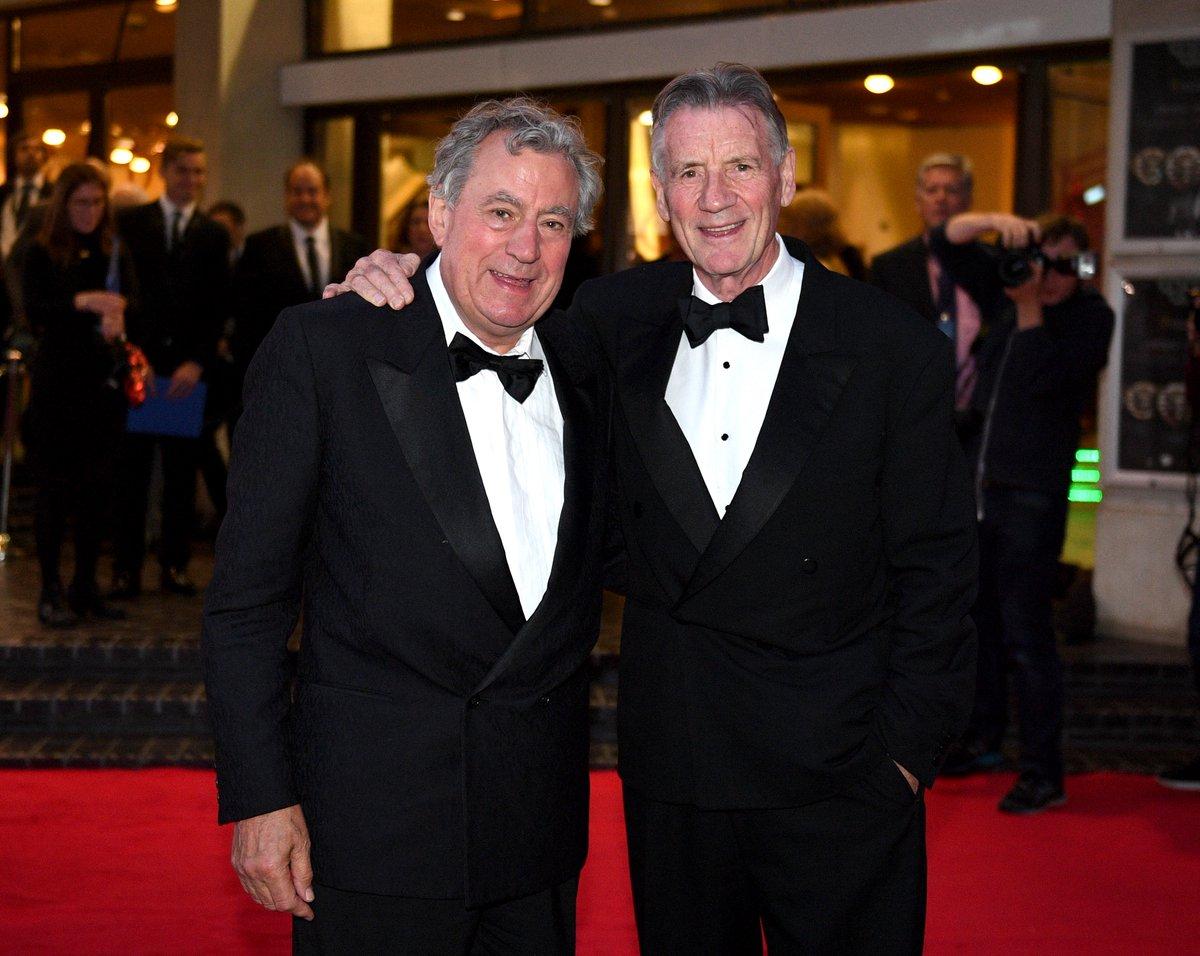 Terry Jones (à esquerda) e o amigo Michael Palin (à direita), também dos Monty Phyton