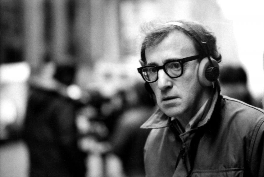 """Woody Allen ganhou três 'Óscar' (melhor filme, melhor argumento e melhor realização) em 1978 pela comédia 'Annie Hall'. Recebeu de facto as estatuetas mas não foi à cerimónia. """"O Óscar não significou nada"""", disse na altura, acrescentando que nunca gostou de competir"""