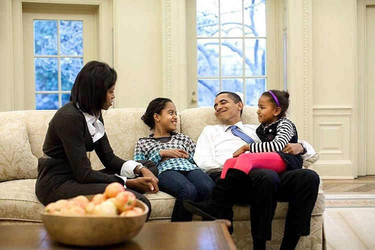 Michelle Obama assinalou o Dia de Ação de Graças com uma fotografia antiga da família