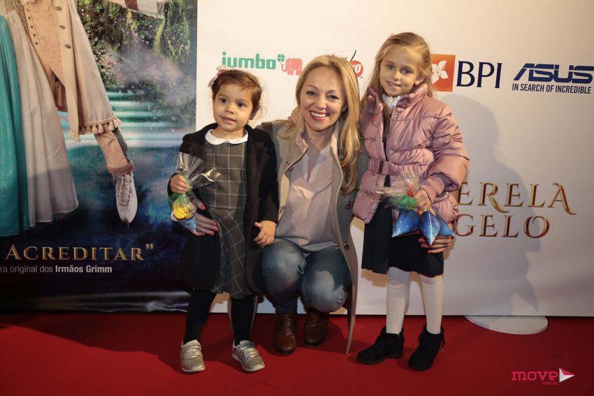 Alexandra Fernandes com a filha, Carolina e uma amiga