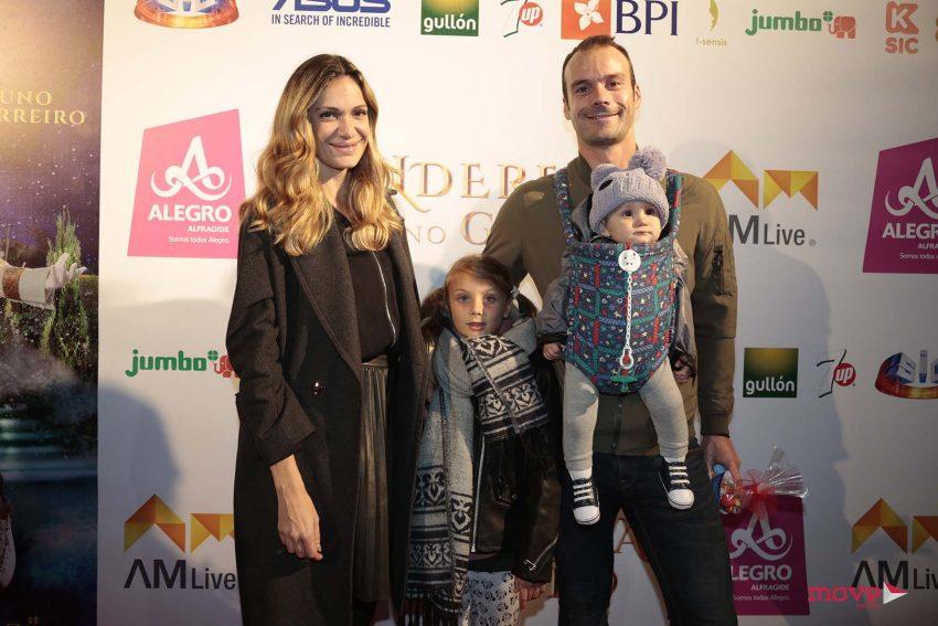 Ana Rita Rocha e Celso Martins com os filhos, Estrela e Gabriel