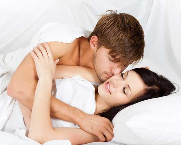 contracetivo-homens-cama-mulher