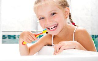 criancas-escovar-dentes