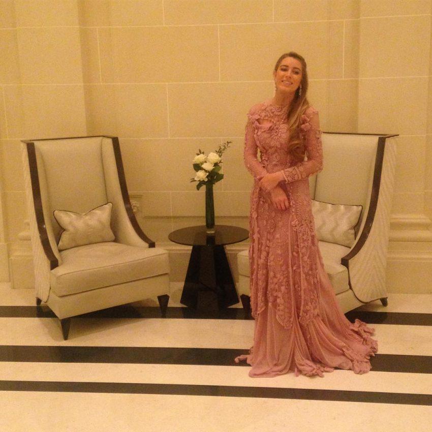 Daniela Figo usou um vestido Jean-Paul Gautier