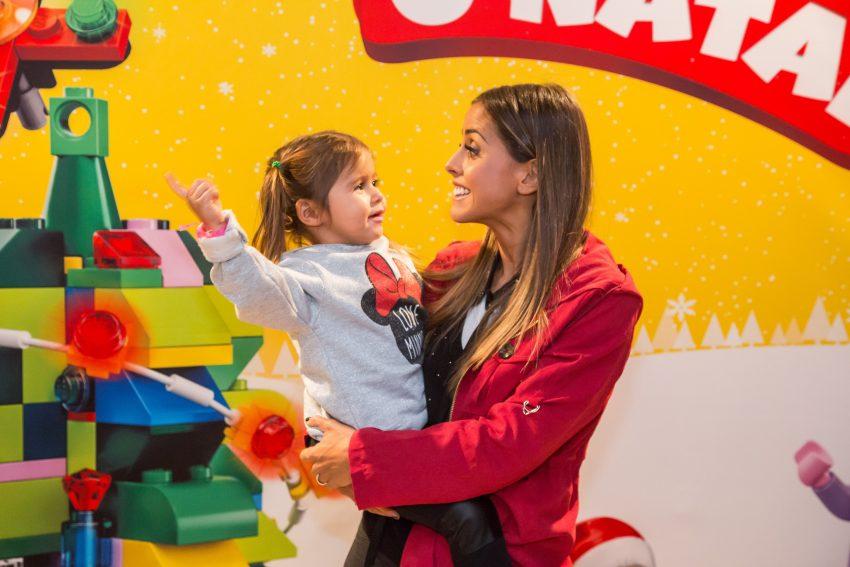 Carolina Patrocínio com a filha, Diana