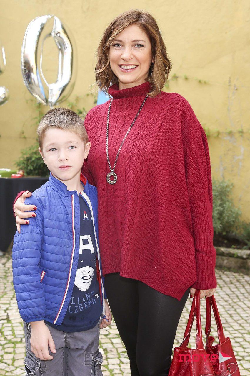Adelaide de Sousa e filho Kyle