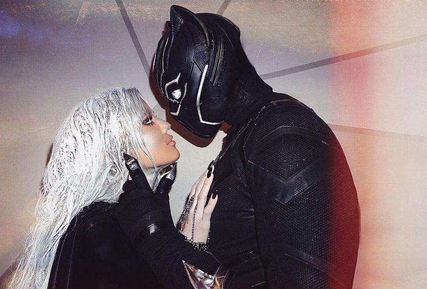 O casal no Halloween