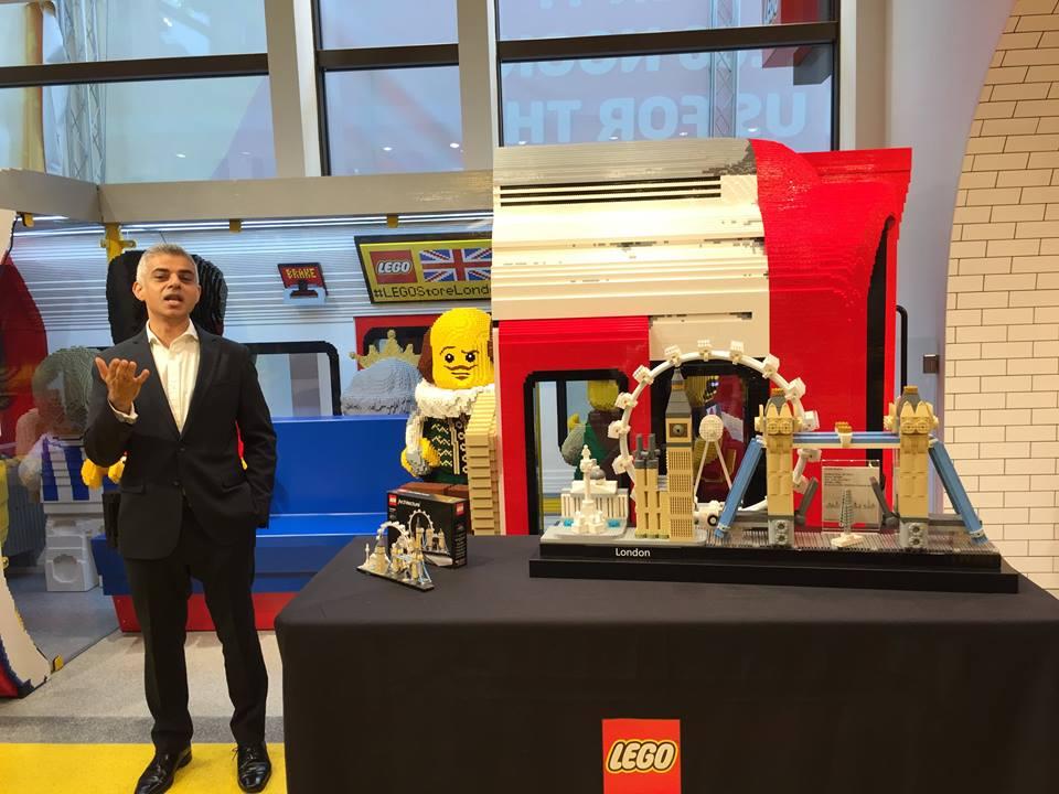 Londres abre a maior loja de lego com r plicas gigantes movenot cias - Boutique lego londres ...