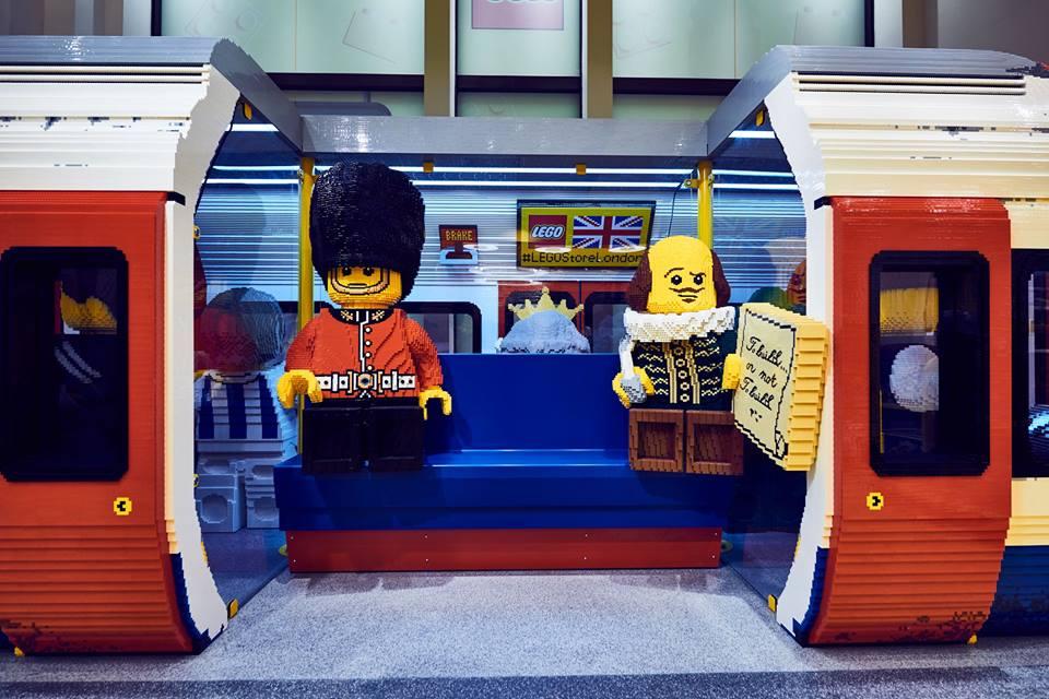 041833f8e7f Londres abre a maior loja de Lego com réplicas gigantes - MoveNotícias