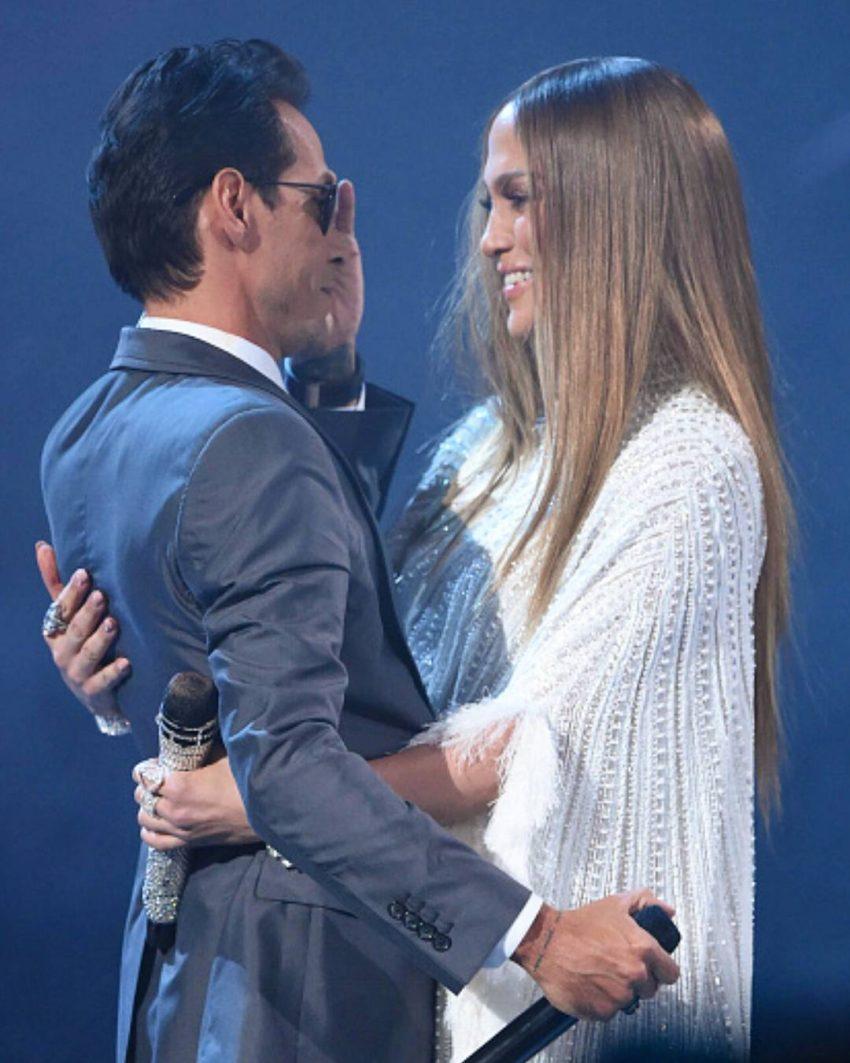 O ex-casal cantou uma música nos Grammy Latinos