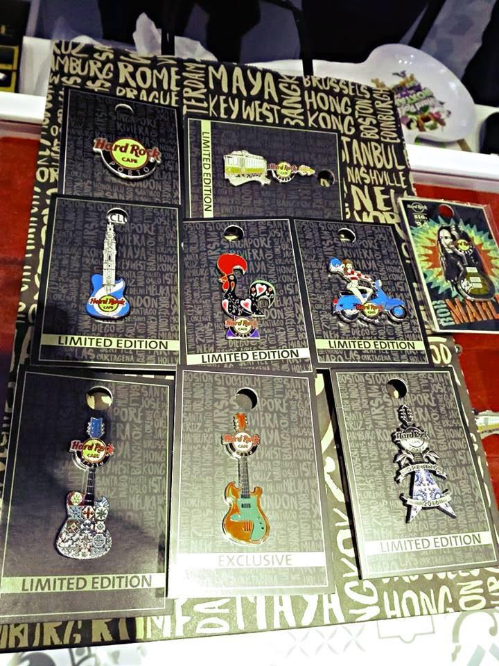 Os pins, edição limitada, à venda no Hard Rock do Porto