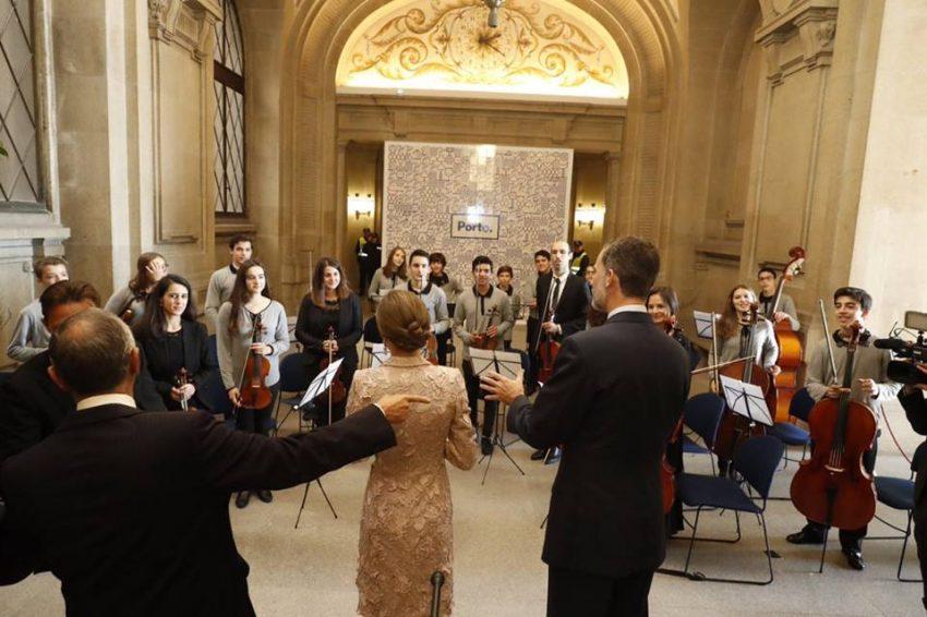 A Orquestra Juvenil da Bonjóia tocou na sessão solene