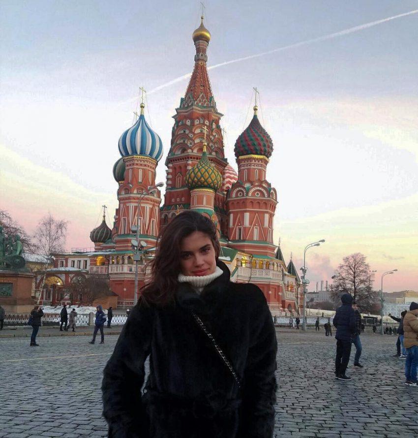 Dias antes, Sara Sampaio estava na Rússia