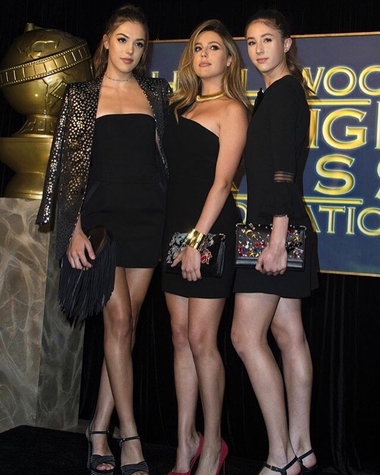 As três irmãs no dia do anúncio