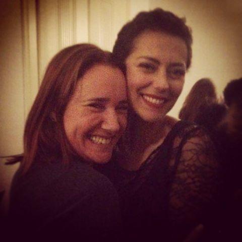 A atriz com Sofia Nicholson