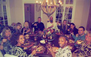 taylor-swift-e-amigos-jantar-dia-de-acao-de-gracas