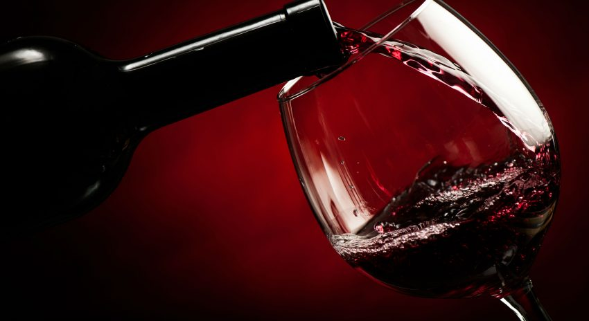 vinho-tinto-e-garrafa