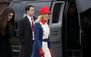 Kellyanne Conway conselheira de Donald Trump vestido criticado Gucci