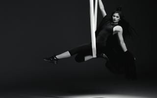 Kylie Jenner Coleção Swan Pack da Puma 2