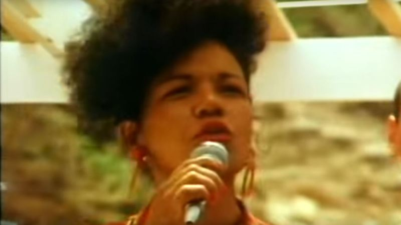Loalwa Braz Vieira cantora Kaoma Chorando se Foi Lambada 2