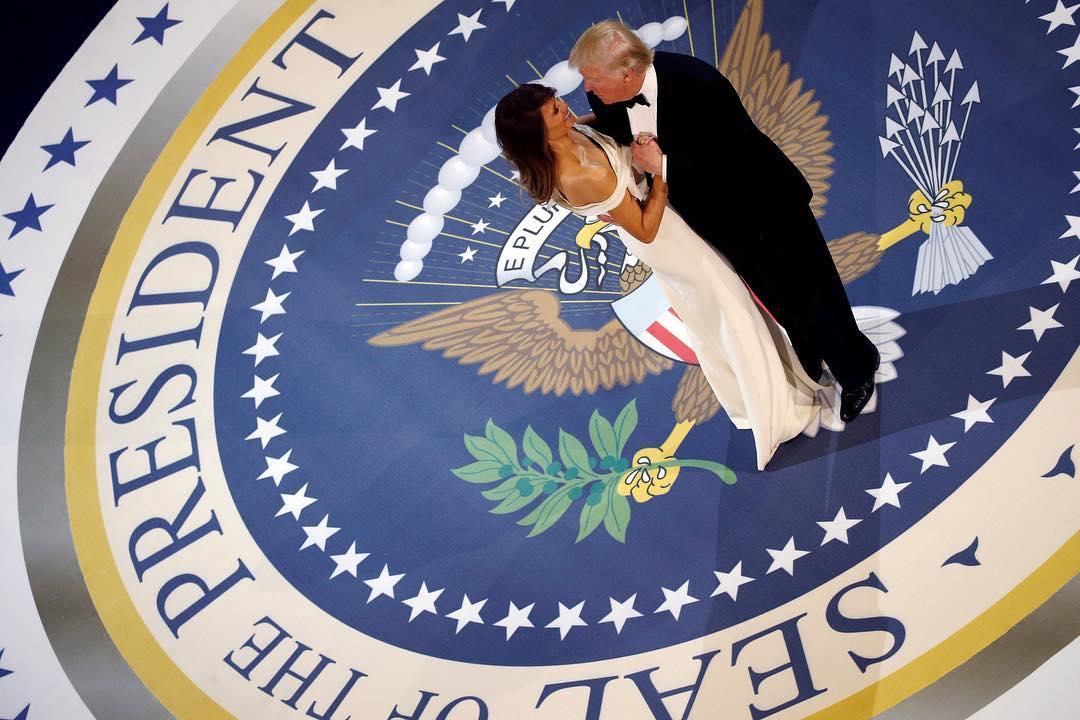 Melania e Donald Trump baile inaugural