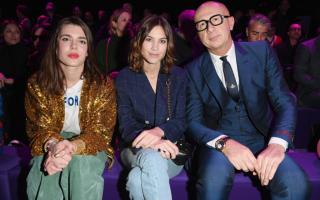 Charlotte Casiraghi casaco bomber dourado Gucci Semana da Moda de Milão 6